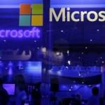 Microsoft s-ar putea împrumuta pentru a cumpăra LinkedIn
