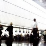 Agenţiile de turism vor fi obligate să asigure integral turiştii în cazul falimentului