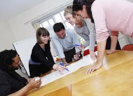 Angajatorii încep să dezvolte politici de HR care să prevină pierderea angajaţilor valoroşi