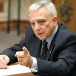 Isărescu: Reducerea investiţiilor publice ar putea reprezenta o disciplinare a modului de cheltuire a banului public