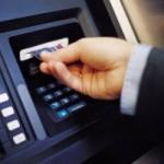 Proiect ANPC: Băncile vor fi obligate să afişeze pe ecranele bancomatelor comisioanele pentru fiecare operaţiune