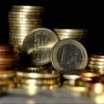 Cursul oficial a coborât la 4,5 lei/euro, iar dobânzile ROBOR au urcat până la circa 2,5%