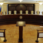 CCR – lovitură de teatru: Președintele și CSM – scoși din ecuația demiterii șefului DNA, Klaus Iohannis e obligat să o demită pe Laura Kovesi. Ministrul Justiției poate dispune discreționar asupra Parchetelor