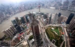 Căutând o putere mai mare la nivel mondial, China se uită la roboți și microcipuri
