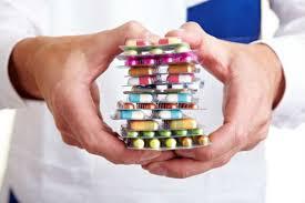 Preşedintele a promulgat legea prin care farmaciile pot avea şi activitatea de distribuţie en gros