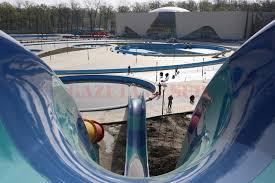 Water Park din Craiova, vizat de o anchetă a DNA, urmează să fie inaugurat, conform ZF