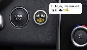 """Renault a lansat """"Mum Button"""", un sistem care trimite mesaje automate cu o singură atingere"""