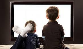 Românii sunt printre primii europeni care stau cel mai puțin cu ochii în ecranele TV/telefon/tabletă