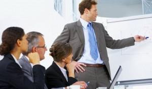 Managerii estimeaza cresteri in toate sectoarele, in urmatoarele trei luni
