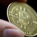 Bitcoin a trecut de 15.000 de dolari