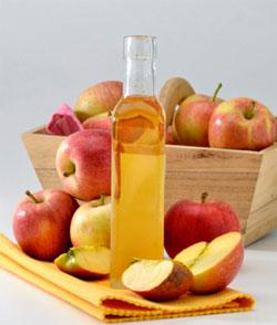 Pomicultorii români, afectați de recoltele-record de mere. Mare dilemă: lasă merele să putrezească sau le pun la ţuică