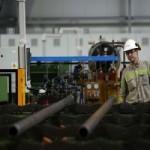 INS: Cifra de afaceri din industrie a crescut cu 12,2% an-la-an în ianuarie 2014