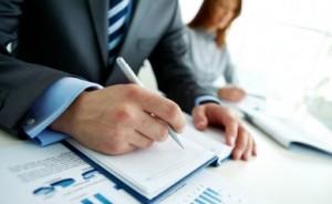 INS, activitatea întreprinderilor în 2012: Companiile cu activităţi de comerţ rulează cele mai mari afaceri