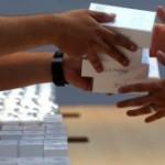 Peste 9 milioane de iPhone-uri 5S și 5C vândute în trei zile