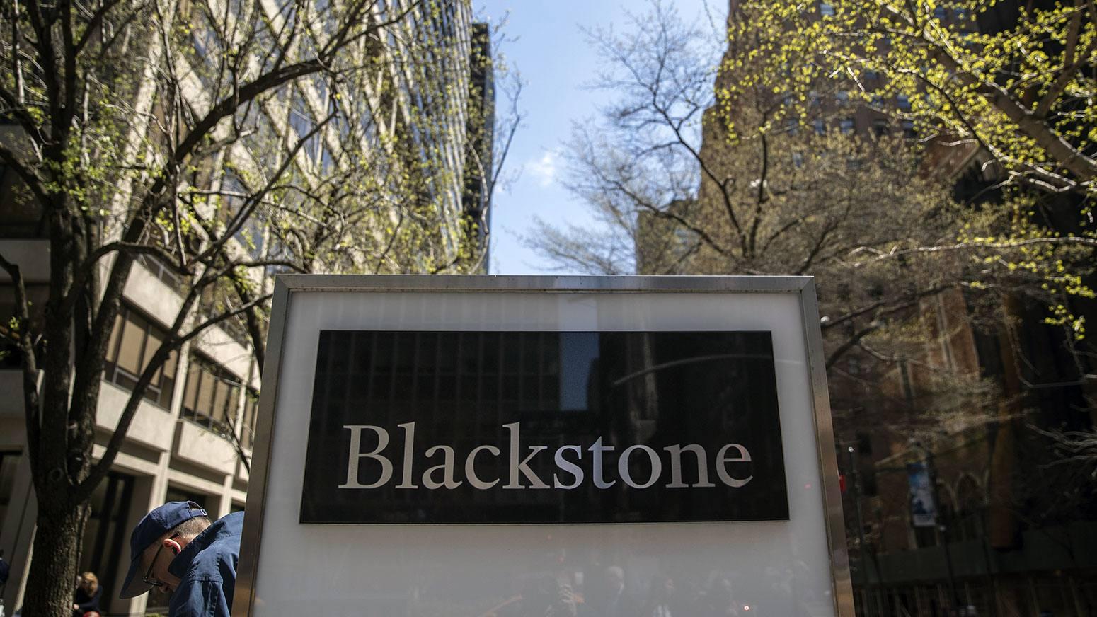 BlackRock vs Blackstone - Economic Zoom