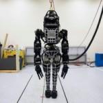 """PE: Robotii casnici si industriali, """"persoane electronice"""" in Europa"""