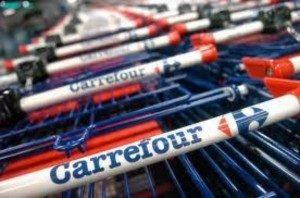 Carrefour va introduce în București pungi 100% biodegradabile, înainte de interzicerea celor din plastic.