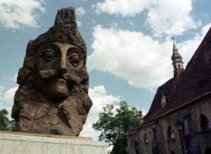 """Şase judeţe din Transilvania ar putea dezvolta cu fonduri europene un proiect regional denumit """"Dracula"""""""