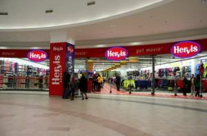 Hervis va deschide 5 magazine noi, dupa un avans de 25% al vanzarilor