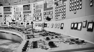 Kozloduy_Nuclear_Power_Plant_-_Control_Room_of_Units_1_and_2_in_black_and_white