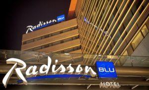 Tranzactie majora: Israelienii care deţin Radisson Blu din Capitală anunţă oficial vânzarea hotelului către un fond de investiţii