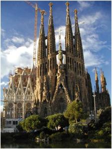 Minunata biserica a lui Gaudi – Sagrada Familia
