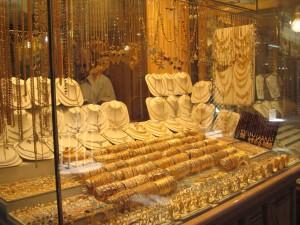 Bijutierii acuză ANPC că sprijină traficanţii de aur falsificat şi că vrea monopol de stat în acest domeniu