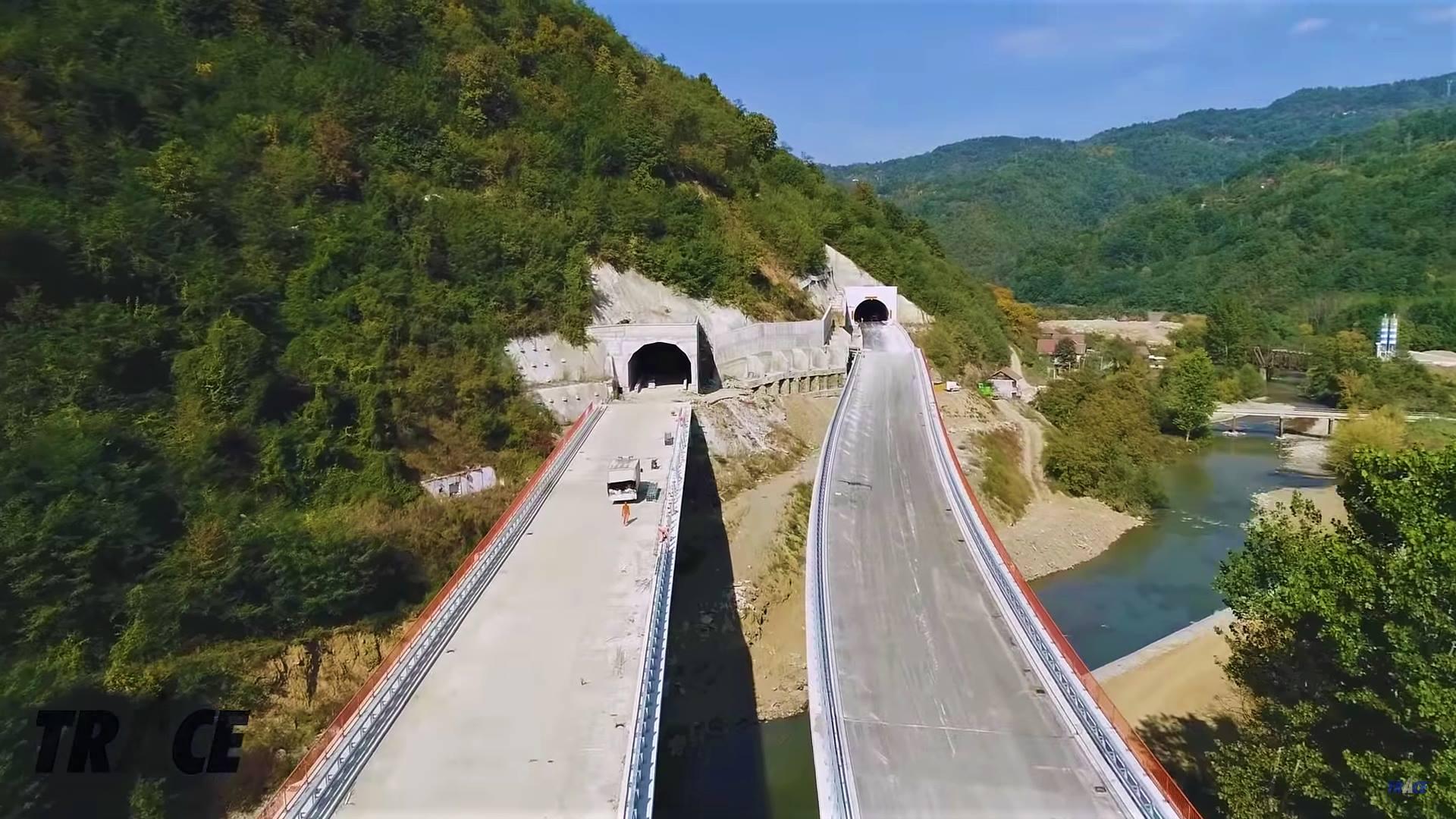 Autostrada Sibiu-Piteşti face un nou pas înapoi, după ce s-a anulat licitaţia pentru forajele geotehnice suplimentare de pe secţiunile montane dintre Boiţa şi Tigveni