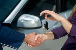 GfK: Doar 3% din populaţie are în plan să cumpere o casă şi 6% o maşină