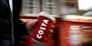 Coca-Cola a devenit o amenințare uriașă la adresa Starbucks după ce a cumpărat lanțul britanic Costa Coffee pentru 5,1 miliarde de dolari
