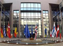 Miza Romaniei la summitul de la Bruxelles: diversificarea resurselor de energie, gazele de sist, exportul de gaze prin conductele din Romania, reabilitarea energetica a blocurilor