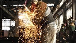 INS: Creștere de peste 8% a producției în industrie în 2017