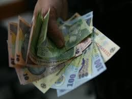 Câștigul salarial mediu net a crescut în martie cu 8,7%, la 2.704 lei