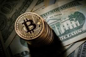 Bitcoin a coborât sub pragul de 9.000 de dolari, scăzând cu 4% într-o singură zi
