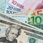 Euro a coborât faţă de dolar sub nivelul de la introducerea monedei în 1999, prima oară în nouă ani