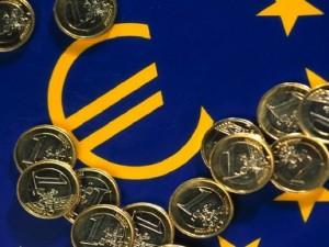 S&P: Zona euro riscă să intre pentru a treia oară în recesiune, după 2008