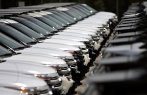 Moody's: Ford Europe, GM Europe, Fiat şi Peugeot-Citroen vor avea pierderi cumulate de 4,9 miliarde de în 2013