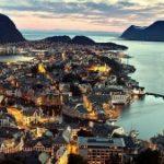 50% din mașinile nou vândute în 2017 în Norvegia sunt electrice sau hibride