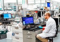 Guvern: Program pentru păstrarea în țară a olimpicilor – granturi de 3.500 euro anual pentru angajarea în Cercetare