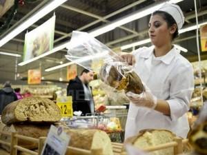 După reducerea TVA la 9%, patronatele din industria de panificaţie promit că prețul pâinii va scădea