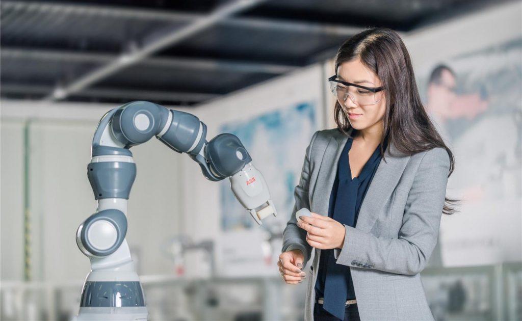 Robotii vor construi roboti intr-o fabrica ABB de 150 de milioane de dolari din China