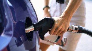 Acciza la carburanți va crește fiindcă firmele petroliere nu au plătit impozit mai mare