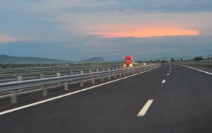 A fost inaugurata autostrada care leaga Romania de Ungaria