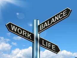 STUDIU Ernst & Young: Românii gestionează cu greutate echilibrul între viaţa personală şi cea profesională